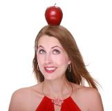 Fraumit Apfel auf Kopf im Ernährungsquiz
